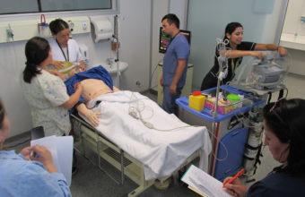 Experta en simulación UDD expuso en Curso internacional de comunicación de malas noticias en salud en Perú