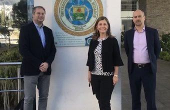 Académicos del Centro de Bioética UDD exponen en Universidad Central de Ecuador