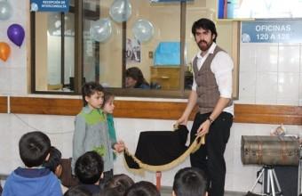 Show de magia para niños del consultorio Malaquías Concha