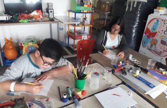 Realizan taller de autorretrato para niños del Hospital Padre Hurtado