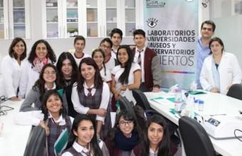 Centro de Química Médica recibe a más de 60 escolares en su laboratorio