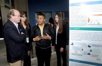 Activa participación de alumnos de Doctorado en nueva Feria de Ciencias e Innovación en Medicina UDD