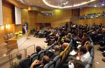 Dr. Diego Gracia Guillen dictó la conferencia ¿Una Bioética para el siglo XXI?