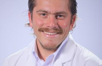 Egresado de Medicina obtuvo beca de Cardiología