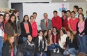 Ministro Jaime Mañalich con estudiantes