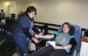 Estudiantes donan sangre