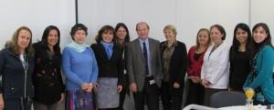 Miembros Red de Salud Metropolitano Oriente, autoridades de Facultad y coordinación del proyecto