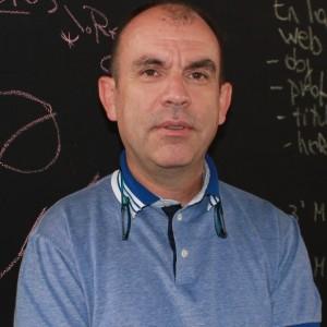 Dr. Andrés Maturana