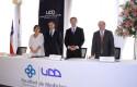 Autoridades UDD y Facultad - Titulación de Medicina 2014