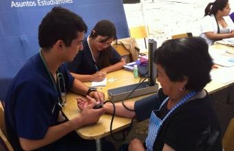 Estudiantes y profesores de la Facultad participaron en voluntariado Sonríe UDD