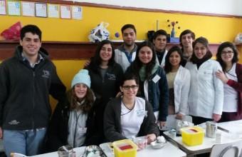 Estudiantes y profesores de la Facultad realizan operativo de salud en Bulnes