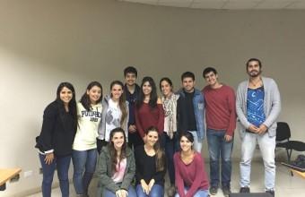 Alumnos UDD realizan prácticas de verano en Chiloé