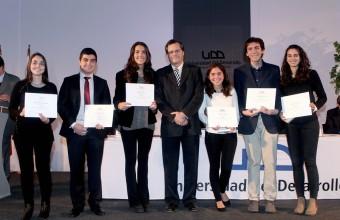 Alumnos y profesores de la Facultad recibieron distinción a la excelencia