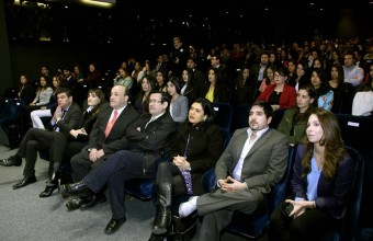 Kinesiología UDD tituló a estudiantes de diplomados