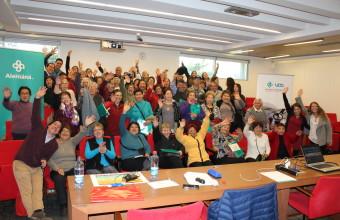 Adultos mayores de La Pintana conocen la UDD y asisten a charla