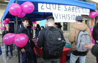 UDD realiza exitosa campaña de detección rápida de VIH para alumnos