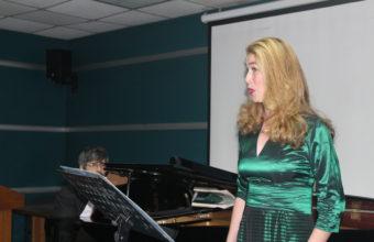 Con auténtica interpretación de mezzosoprano Constanza Dörr se dio inicio a actividades en HPH
