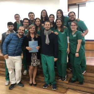 Docente de Odontología UDD expone en la Sociedad de Endodoncia de Chile