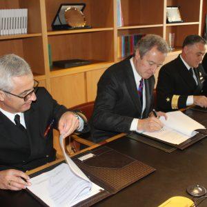 UDD firma convenio de colaboración asistencial docente con Armada de Chile