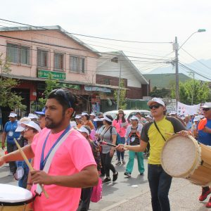 Carreras de Enfermería y Nutrición & Dietética apoyan Caminata del Adulto Mayor en La Granja