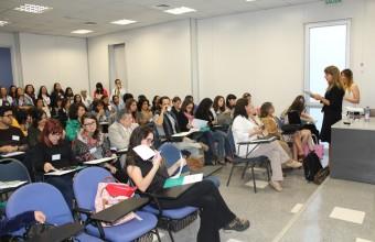 Facultad de Medicina CAS-UDD participó en Jornada de Adolescencia en HPH