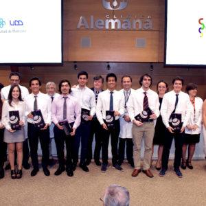 Estudiantes de tercer año de medicina UDD inician actividad clínica