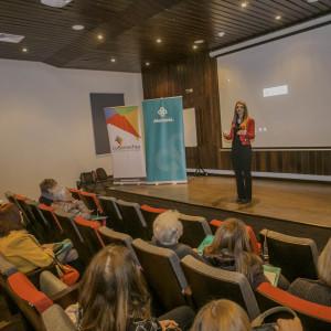 Directora de Nutrición y Dietética UDD dictó charla en Lo Barnechea