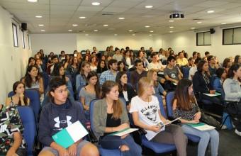 Odontología UDD concluyó Programa Puente para estudiantes de primer año