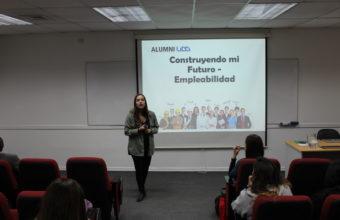 Alumni realiza charla de empleabilidad a alumnos de odontología
