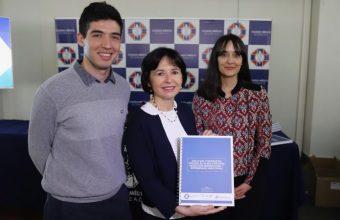 Colegio Médico, Sochinf y UDD presentan documento sobre mitos en torno a migración y salud